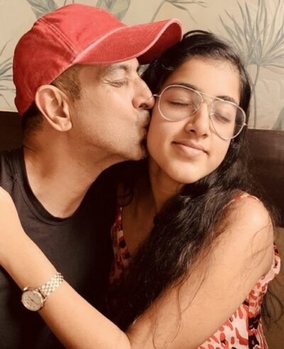 Ronit With His Daughter
