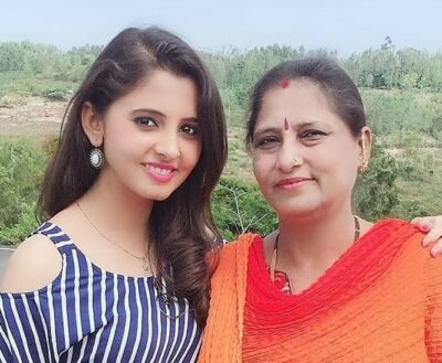 Preethi Asrani with her mother