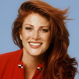 Angie Everhart age