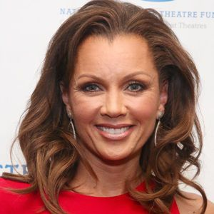 Vanessa Williams Age, Height, Weight, Body, Wife or ...